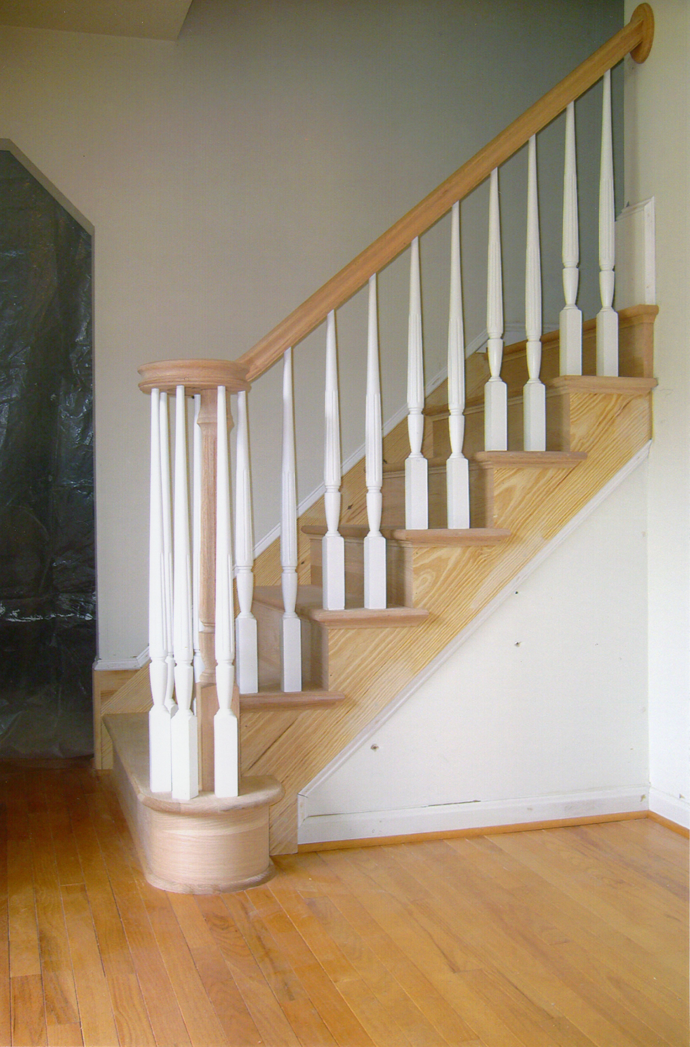 ... Wood Unstained Staircase, Railing With White Balusters ...